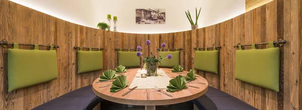Nische Restaurant