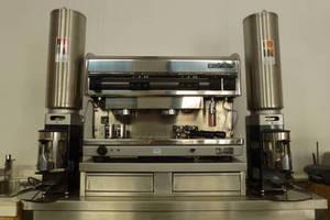 sch rf xpress piston espressomaschine mit zwei m hlen 2. Black Bedroom Furniture Sets. Home Design Ideas