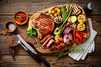 Beef Steak mit gegrilltem Gemüse